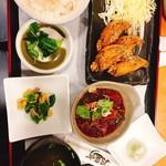 64482491 - ・ランチ980円                       手羽先4本、牛すじどて煮、小鉢、すまし汁、ご飯、スイーツ