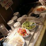 水琴茶堂 - 取り放題のサラダとけんちん汁
