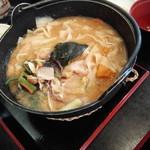 水琴茶堂 - かぼちゃ豚肉ほうとう1296円
