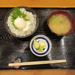 諸国 ひものと - しらす丼 580円