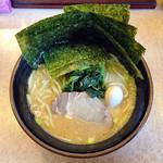 釜利家 - 濃厚豚骨醤油ラーメン680円+のり増し50円