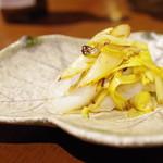 虎穴 - 料理写真:淡路の墨烏賊とホワイトアスパラの炒めもの