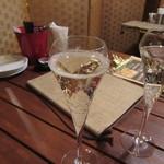 肉とチーズのお店 - スパークリングワイン