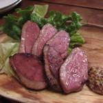 肉とチーズのお店 - 合鴨ロース 540円