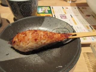 串焼 博多 松介 - 此れからは焼鳥タイムのスタートです。  最初は松介特製ねり、ジュワっとした肉汁が口に広がります。