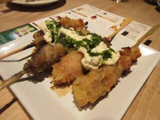 串焼 博多 松介 - 薩摩純然鶏の変わり南蛮、串焼きは創作串が多く見た目でも楽しめる美味しい串焼きが続きます。