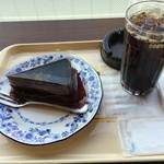 ドトールコーヒーショップ - ケーキセット580円