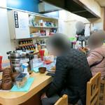 自家製なま麺 焼きそば専門店 ナゴヤキ55 - ナゴヤキ55 店内の様子