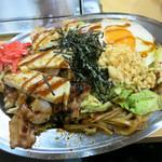 自家製なま麺 焼きそば専門店 ナゴヤキ55 - 黒DX 890円