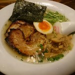 なると家 - 料理写真:ちゃーしゅーめん塩(1100円)