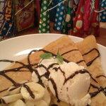 ゴールデンクレープス - チョコバナナクレープアイストッピング☆焼きたてで美味しかった。