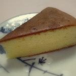 バターケーキ 合歓 - カットしたバターケーキ