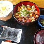 海鮮料理 文らく丸 - 料理写真:バラちらし
