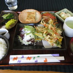 カフェレスト HANA - 料理写真:日替わりランチ 500円 (2017.3)