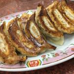 餃子の王将 - 料理写真:餃子×2 よく焼きでお願いしました
