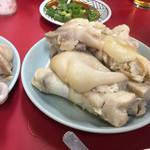 64524627 - 名物豚足!プルプルのお肉が大人気です。