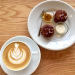 VINCENT COFFEE HOUSE - プレッツェルスコーンのジャムは4種から2種を選べる