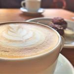 VINCENT COFFEE HOUSE - カフェラテ(リサンド・ゴメス) 550円