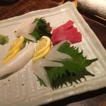 一正 - 料理写真:お刺身4種盛り イカ 赤身 フグ 鯛