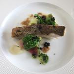 64529099 - [主菜]                       本日鮮魚(縞鯵)のポワレ ウイキョウのピュレ アンチョビバターソース