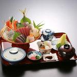 荒磯市場 - 名物 大漁盛込み定食(3,675円)