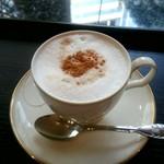 カフェ シャポー - カプチーノ:670円