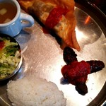 Bistro ひつじや - チュニジアのギョウザとシシカバブのセット