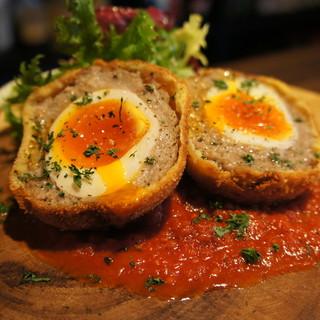 名物『半熟卵のスコッチエッグ』