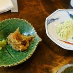 うずら家 - そばがきの薬味 味噌とネギ、青きな粉