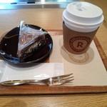 楽天カフェ - もちもちワッフル(\350)とドリップコーヒー(Sサイズ\330)