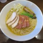 麺屋 龍壽 - チャーシュー芳醇中華そば 塩 麺の大盛り