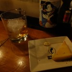 立ち飲み 泡 - ジョニ赤(ロック)380円