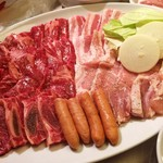 焼肉屋 元気カルビ - 料理写真:盛り合わせ(2~3人分)