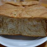 64539732 - メープル食パン