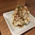 肉バルGABUTTO - アンチョビポテトサラダ(¥490+外税)