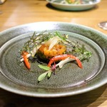ジロトンド - 八海山麓の清流で育った「美雪鱈」の軽い燻製とアヴォカドのタルタル