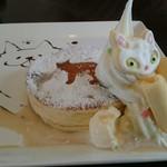 キャットベース - 料理写真:ふわふわ白猫パンケーキ
