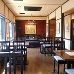 伊都カフェ - 店内(イケヤの家具)