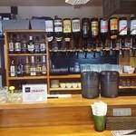 伊都カフェ - 店内(地ウイスキー)