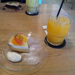 fruits cafe' trio - ケーキセット(フレッシュオレンジジュース)