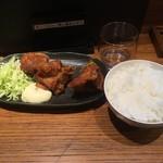 らー麺 鉄山靠 - 唐揚げ定食(唐揚げ3個、ごはん)