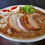 バリバリジョニー - 厚切り炙り焼きチャーシュー麺(1030円)