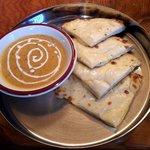 ドゥルガダイニング - 料理写真:チーズナンセット(シーフードカレー)