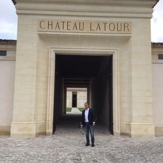 フランスから仕入れた本物のワインで至福のひと時を…。