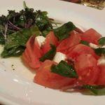 トゥ・ザ・ハーブズ - トマトとチーズ