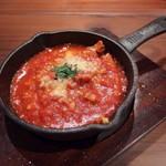 肉バルpippi - トリッパのトマト煮込み(690円)