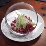 肉バルpippi - トリュフ塩ユッケ(750円)