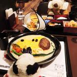 SNOOPY 茶屋 - 京都・錦市場にある スヌーピー茶屋のカフェで、スヌづくしのお食事を 満喫したボキら。