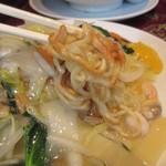 中華楼 - 海鮮炒麺 の麺