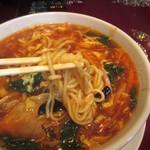 中華楼 - 麺の細さ